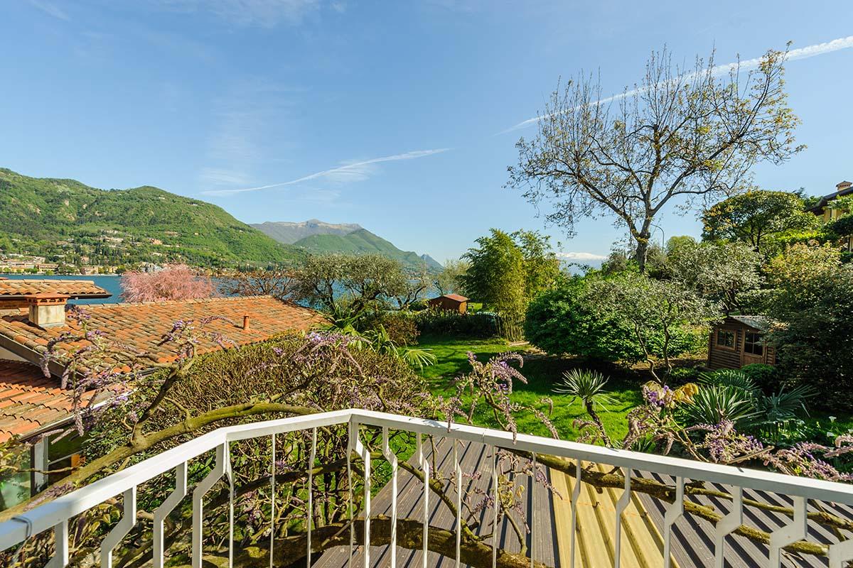 Camera classic vista lago laterale hotel garden zorzi for Lago vista